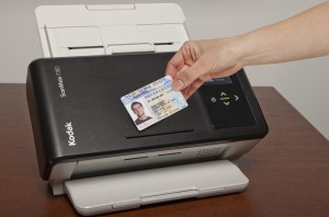 The built-in card ledge makes it easy to keep track of important documents during transactions.